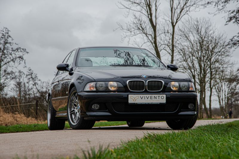 Featured car: the E39 M5!